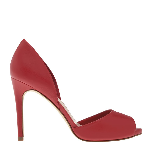Make this Valentine's Day special by shopping from the latest styles at CHARLES & KEITH