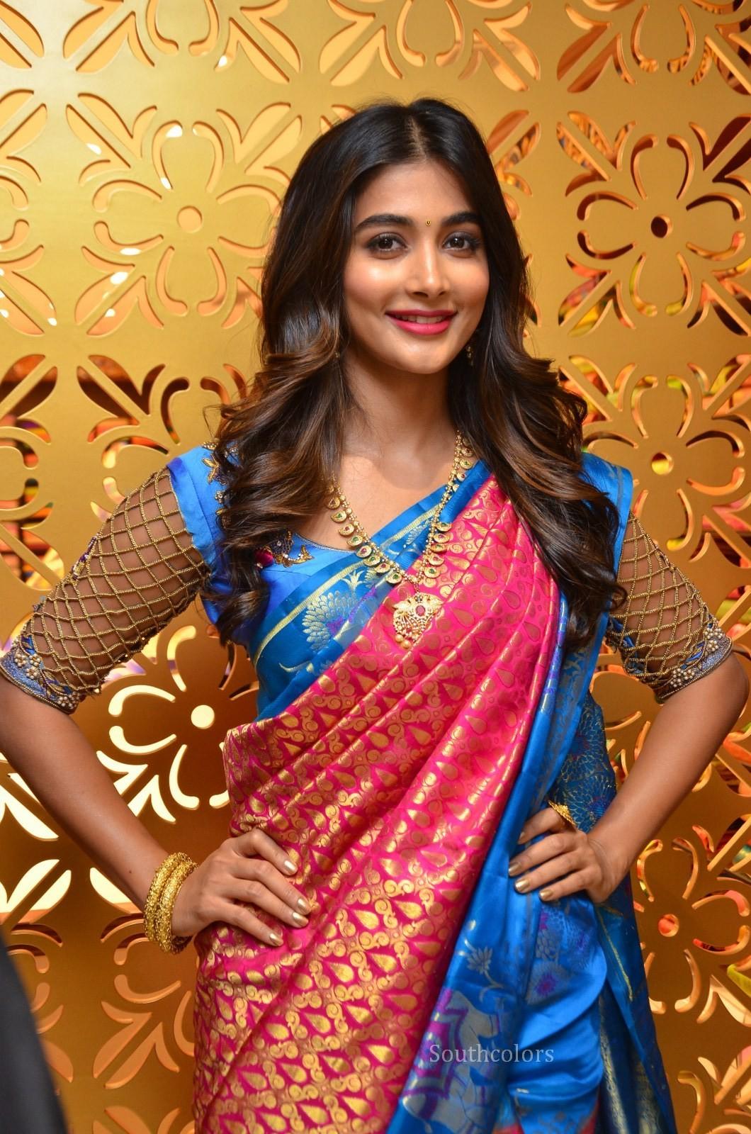 Pooja Hegde Traditional Saree Photos At Anutex Shopping -8130