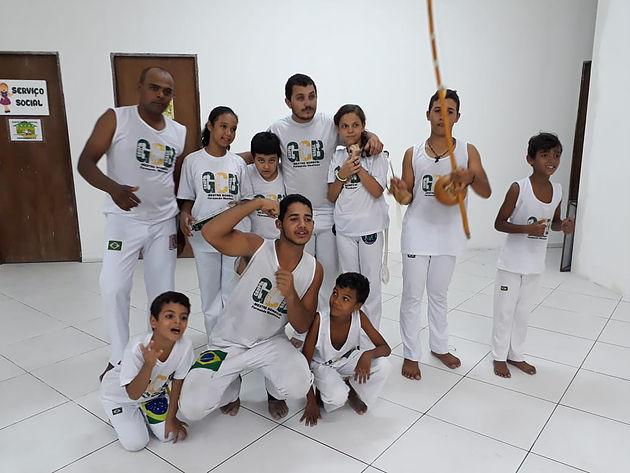 Departamentos de juventude e esportes iniciam aulas de capoeira para crianças e adolescentes de Delmiro Gouveia