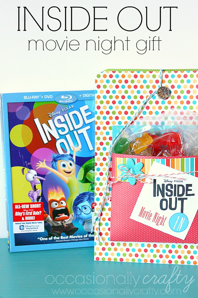 In love with this Movie Night In Gift Box from Occasionally Crafty!  Fun way to give any movie as a gift!