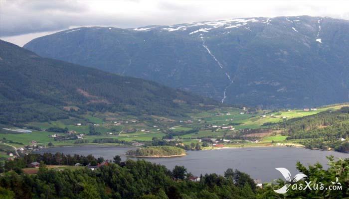 10 Air Terjun Tertinggi di Dunia Beserta Negara, Benua, dan Letaknya