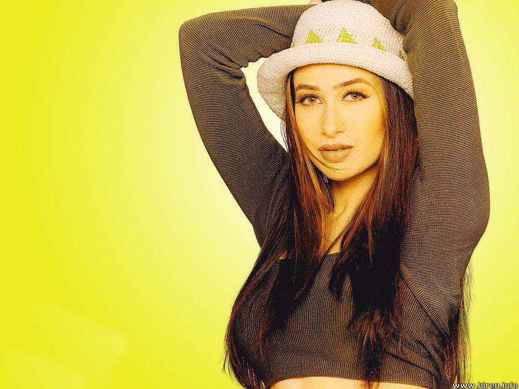 Bollywood Celebrities Karishma Kapoor Hot Wallpapers-6389