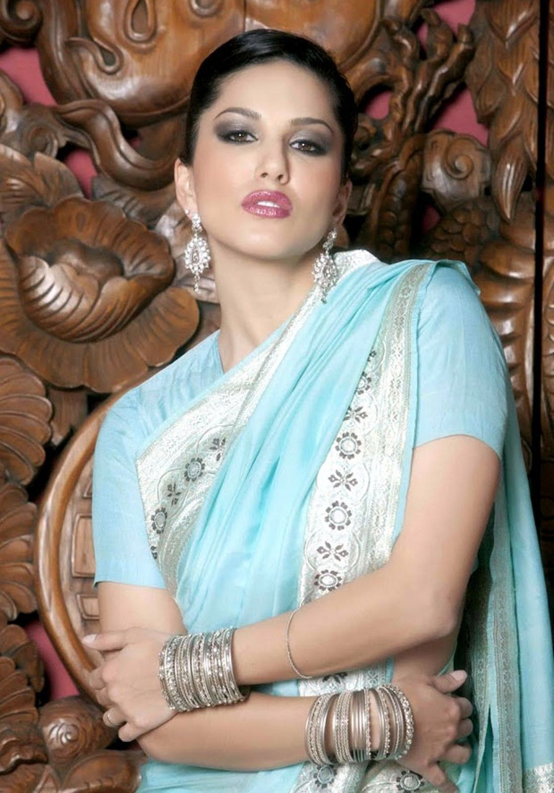 Kashmira Shah Sunny Leone Looking Hot In Blue Saree-2139
