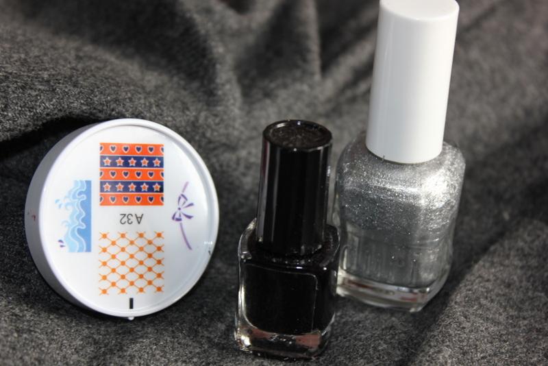 Отзыв: Создаем свой дизайн ногтей со штампами ENAS Nail Stylist.  Маникюр со стемпингом.