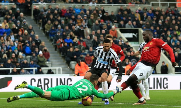 Mid-Week EPL Roundup: Lukaku Scores As Man United Beat Newcastle As Chelsea Draw