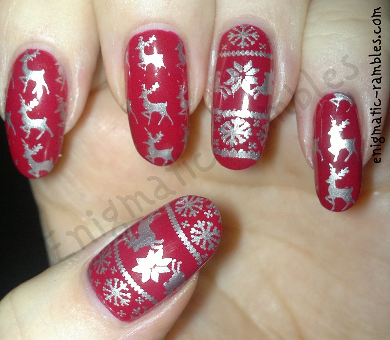 Festive-Reindeer-Jumper-Sweater-Nails-stamped-stamping-moyou-london-festive-collection-03-christmas-collection-04-leighton-denny-pillow-talk