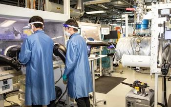 'Cơn sốt' sản xuất pin cho xe điện