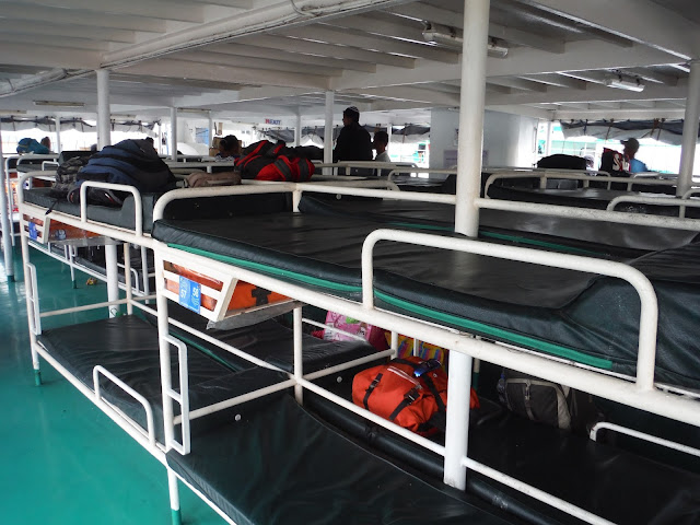 ferry beds coron philippines
