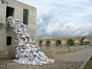 Escultura y libros