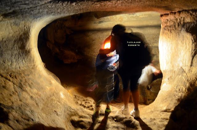 Memasuki Gua Londa Rantepao Tana Toraja || jelajahsuwanto