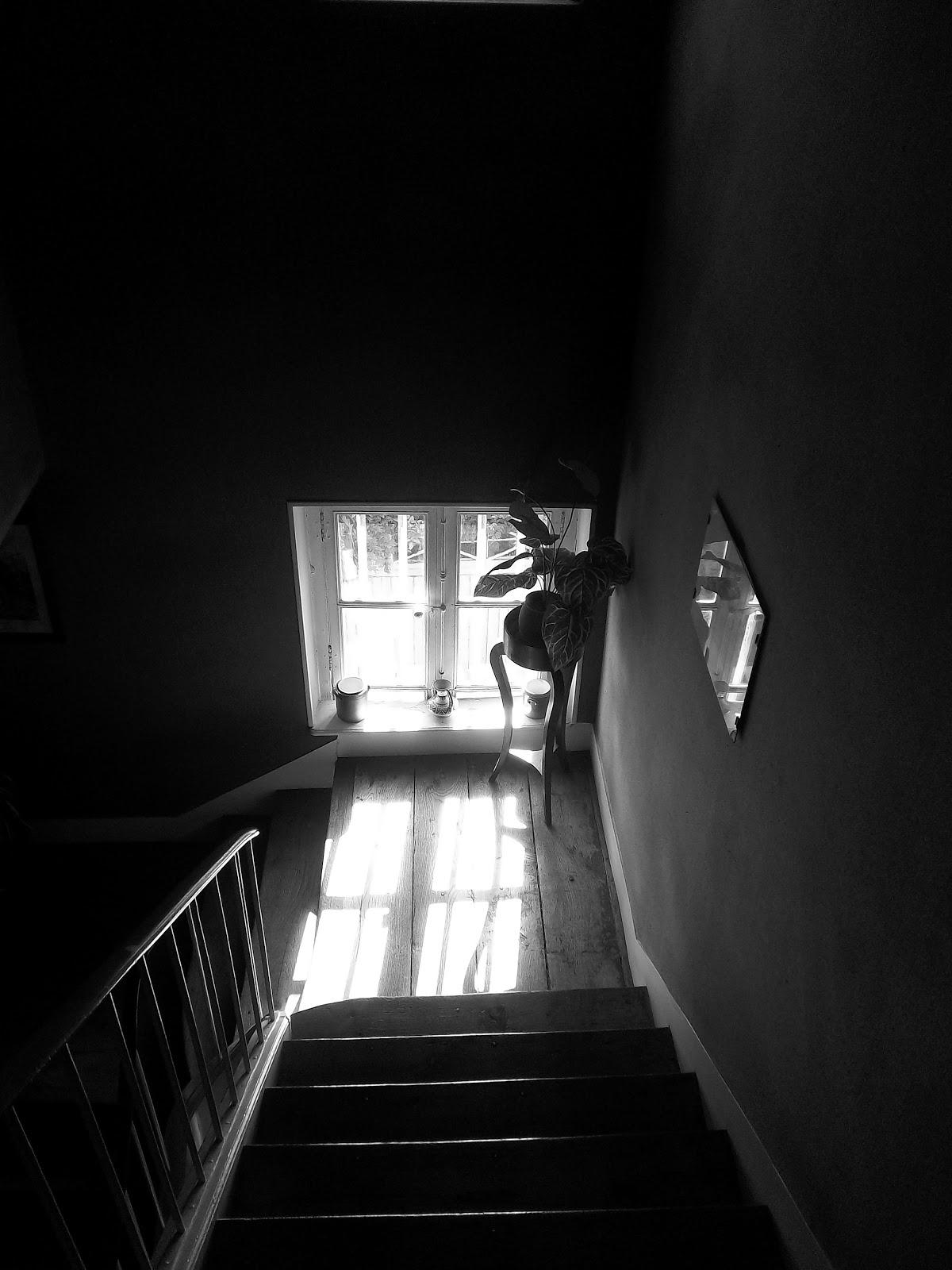 sc ne d 39 int rieur les escaliers. Black Bedroom Furniture Sets. Home Design Ideas