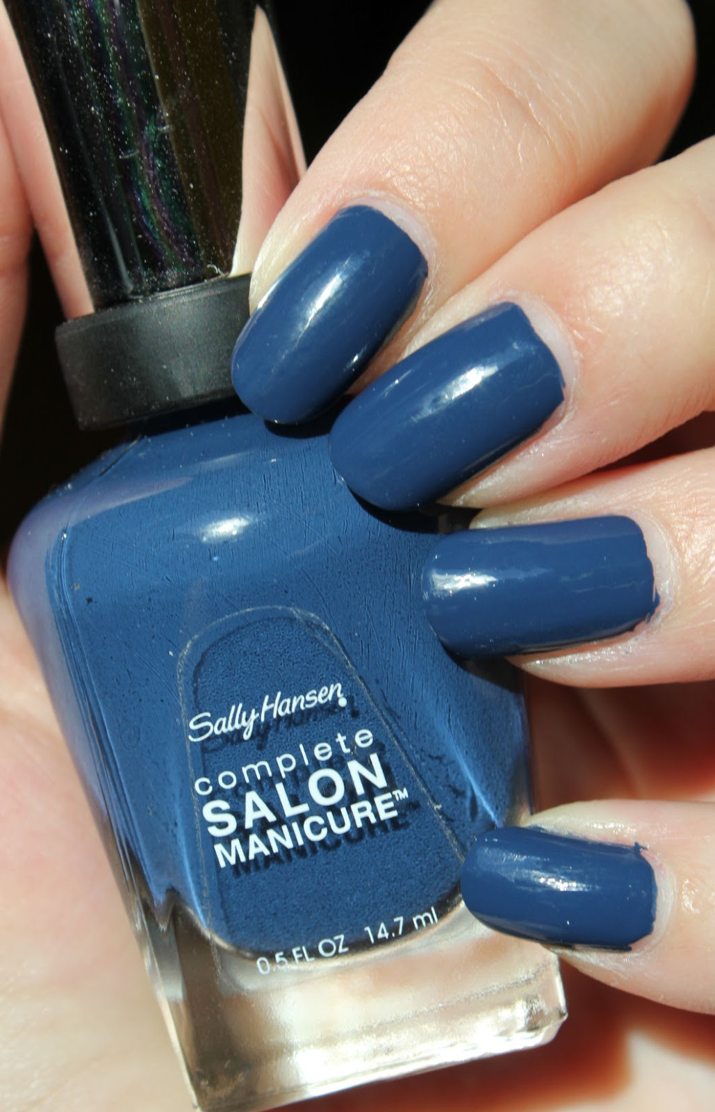 http://lacquediction.blogspot.de/2014/07/sally-hansen-902-blue-rose.html