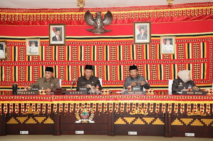 Paripurna Penyampaian Ranperda APBD 2019 Di Gedung DPRD Lamsel.