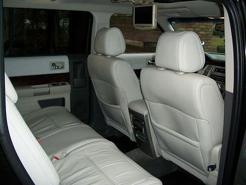2011 Ford Flex Seats