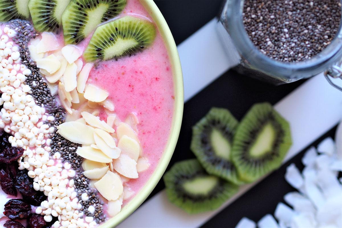 smoothie bowl, czyli śniadanie idealne