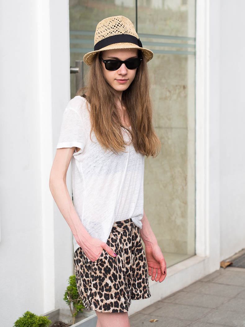 summer-outfit-leopard-shorts