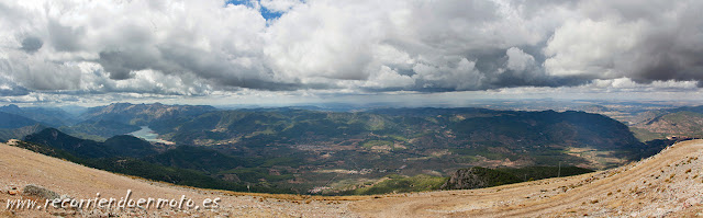 Panorámica vista norte de El Yelmo, Sierra de Cazorla