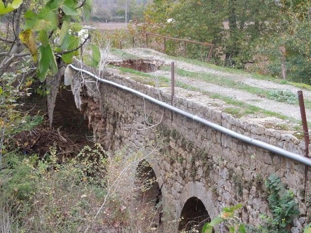 Παρέμβαση της  Βασιλικής Δημητράντζου για την ανακατασκευή του «Πάνω Γεφυριού» της Αμφίκλειας