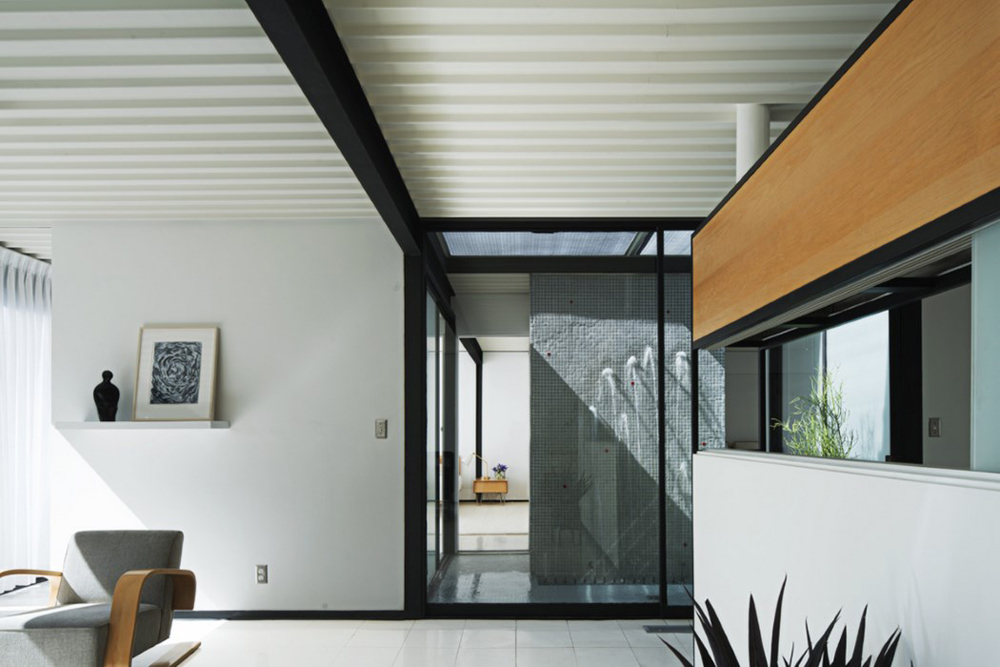 Case Study House     is For Sale on the Long Beach Canals   City of Home Architecture Ideas