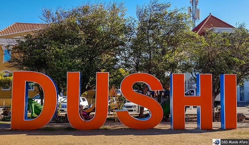 Letreiro Dushi em Curaçao - Diário de Bordo: cruzeiro pelo Caribe