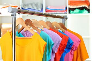 Como organizar roupas na mudança