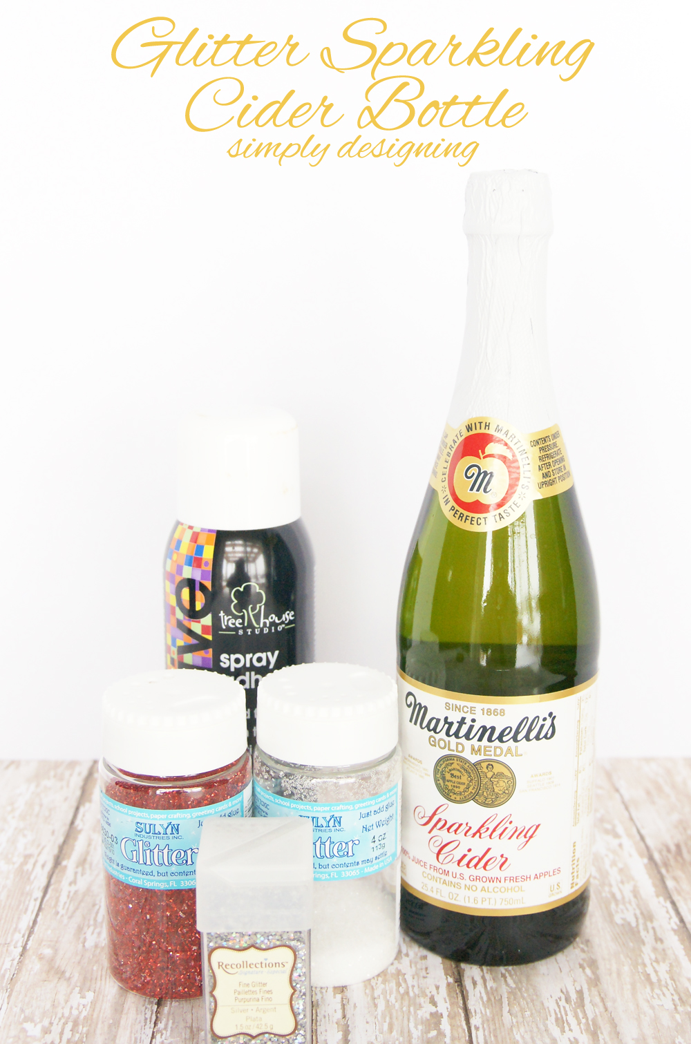 Glitter Sparkling Cider Bottle | a perfect way to dress-up a bottle of bubbly for Valentine's Day, Christmas, New Year's or a Wedding | #glitter #valentinesday #celebration