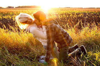 best true love boy and girl in love romance kissing ang hug wallpapers images photos.jpg