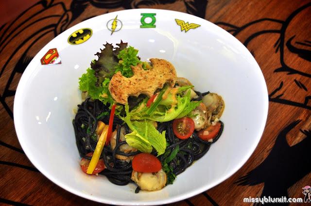 squid ink aglio olio pasta