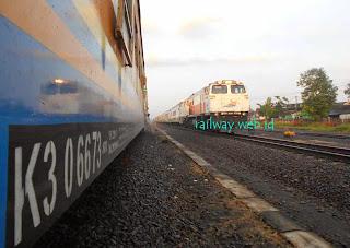 Naik Kereta Api Tujuan Semarang Diskon 10 Persen