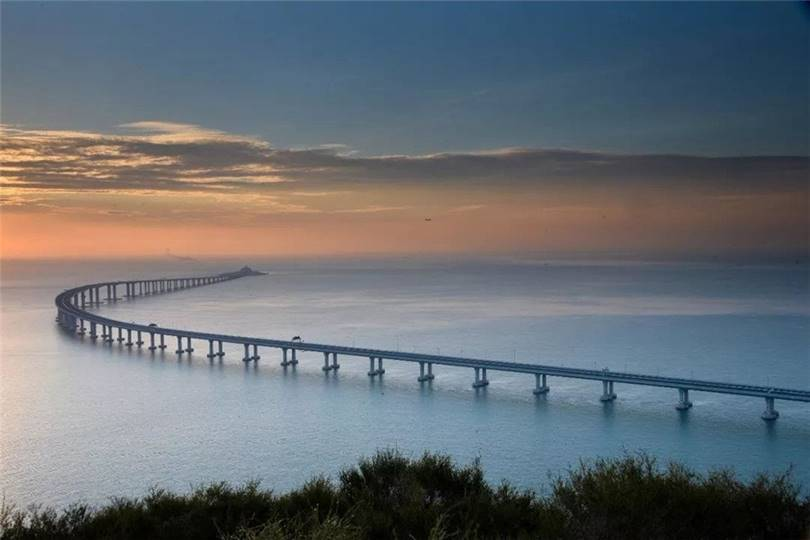 The 6.7 km long underwater tunnel is the most important link in the large-scale project Hong Kong-Zhuhai-Macao Bridge (HZMB), which connects Hong Kong, Zhuhai and Macao with artificial islands and bridges.