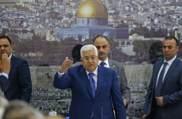 عباس يحل المجلس التشريعي الفلسطيني وحماس ترد