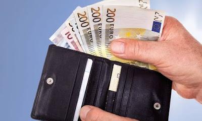 Θεσπρωτία: Αστυνομικός, βρήκε πορτοφόλι ιερωμένου με 700 ευρώ και το παρέδωσε στον ιδιοκτήτη