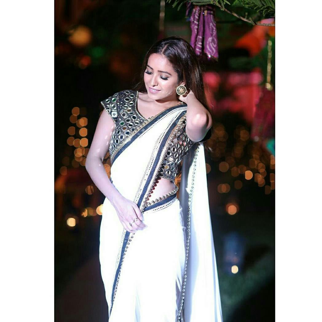 Bollywood Actress Hot Photos In Saree Hd Wallpapers-6141