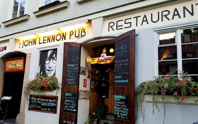 Bar John Lennon Pub em Praga