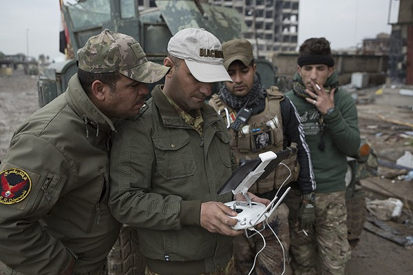 Αξιωματικός της ERD χρησιμοποιεί ένα DJI Phantom drone