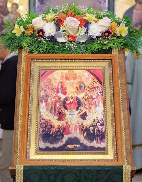 Фоторепортаж Божественной литургии в Неделю Всех Болгарских Святых
