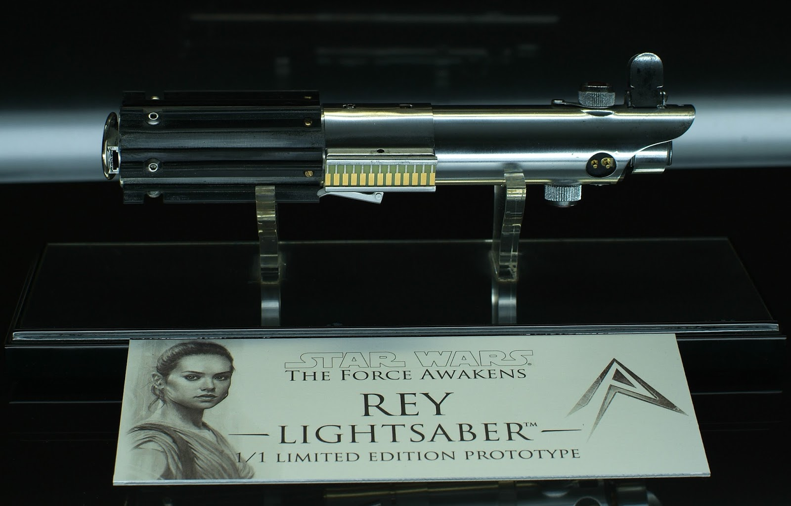 REY Lightsaber The Force Awakens