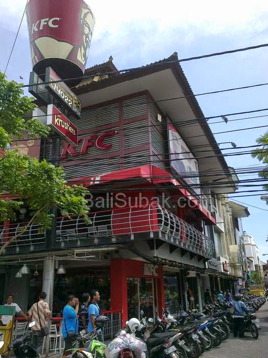 KFC Kuta Square, the biggest-selling fast food restaurants in Kuta Bali