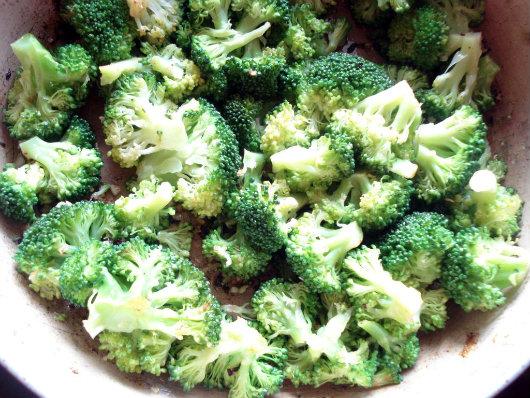 saute broccoli