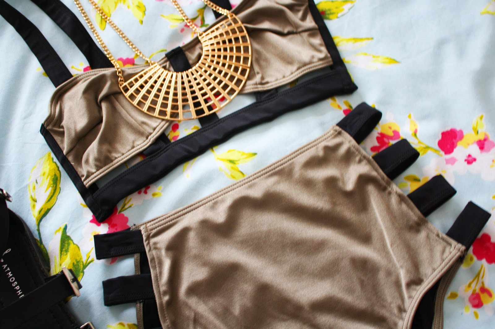 An outfit for the pool featuring my favourite bikini from Topshop