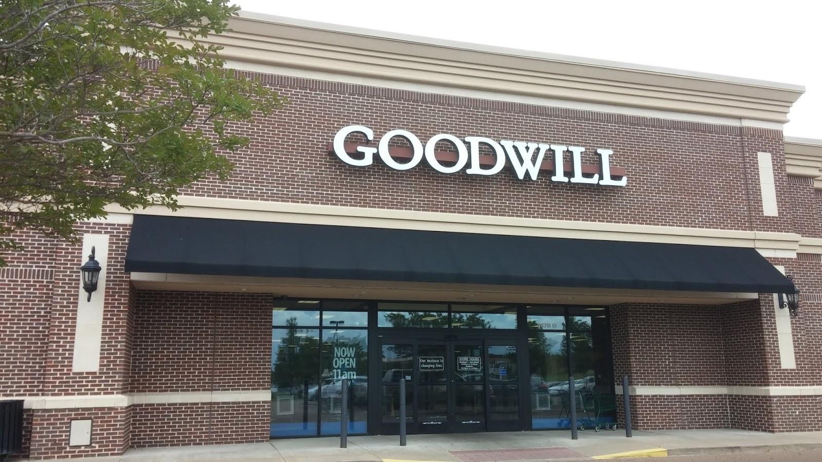 goodwill bookstore memphis