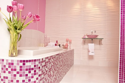 Themes for Decorating Feminine Bathrooms