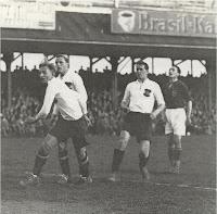 Contro l'Ungheria il 24 aprile 1932: 8-2 per l'Austria ! Partita giocata all'Hohe Warte di Vienna, davanti a 60.000 spettatori. Sindelar segnò le prime tre reti dell'Austria.