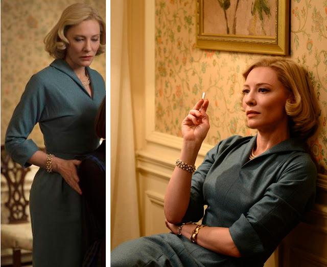 Vestido azul estilo anos 50, liso de manga comprida, carol fumando cigarro