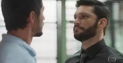 Marcos e Diogo são rivais na novela Bom Sucesso (Foto: Reprodução)