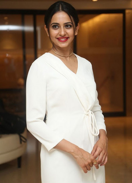 Rakul preet singh hot at Teach for Change Event 2016 images