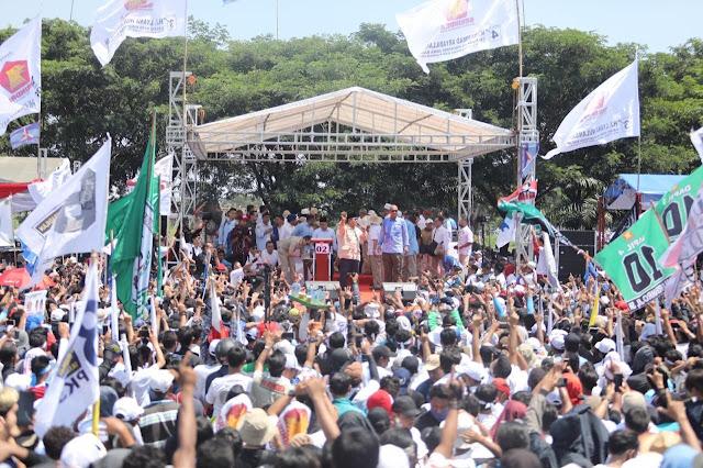 Gelorakan Semangat Rakyat, Prabowo Baca Sajak Karawang-Bekasi