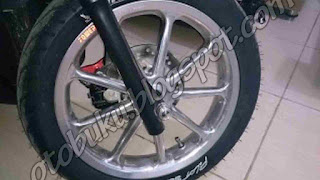 Gambar Velg Power Racing Pada motor Matic