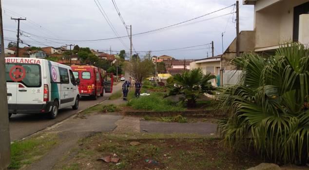 """Rapaz de 23 anos é morto com """"arma branca"""" no Guarani em Colombo"""