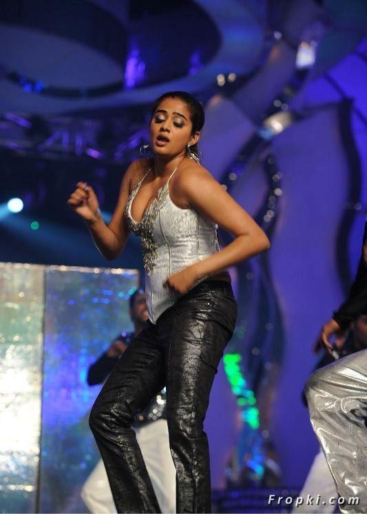 Priyamani Hot Dance Performance @ Lux Sandal Cinemaa